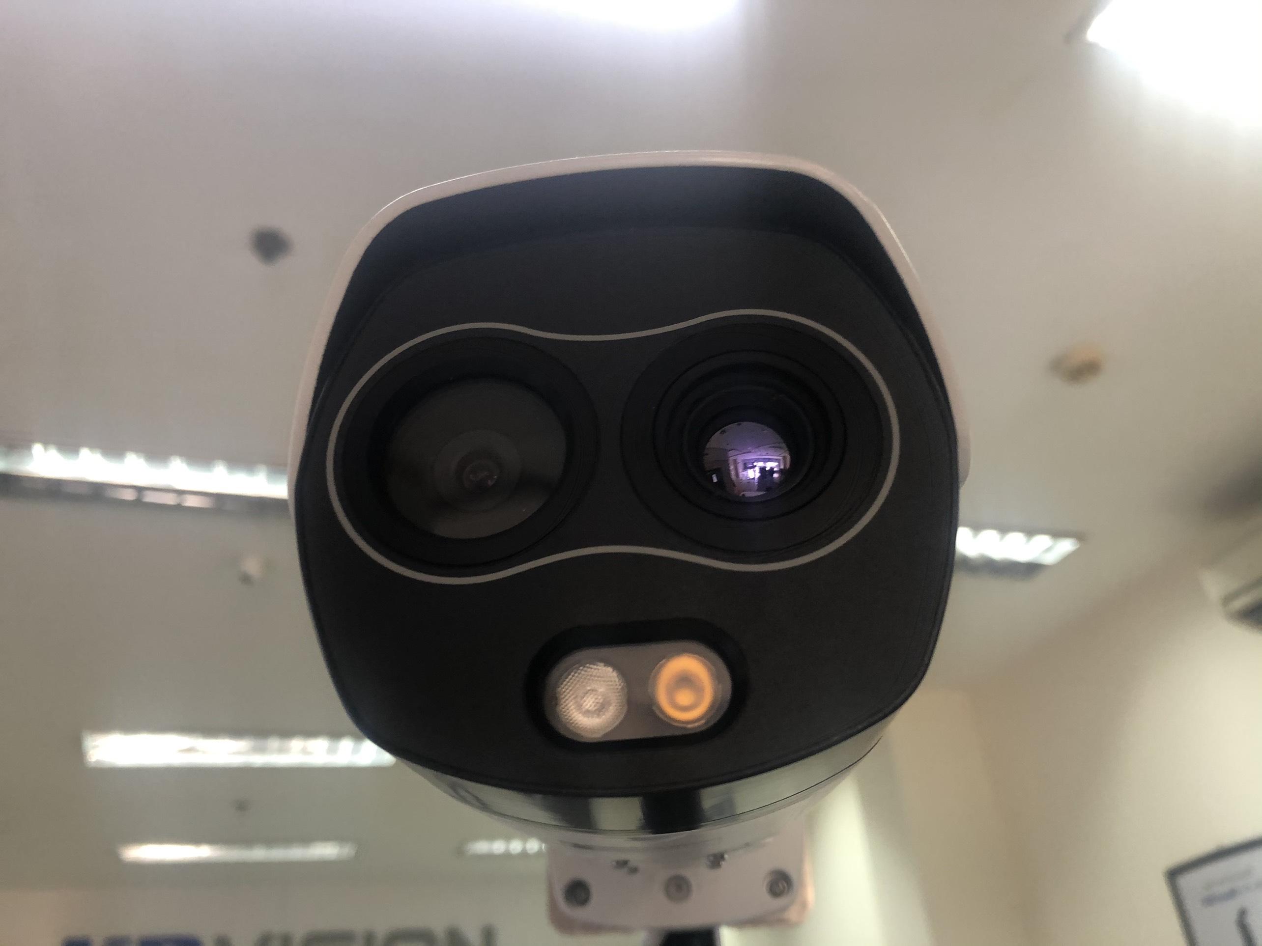 Camera Cảm Biến Thân Nhiệt