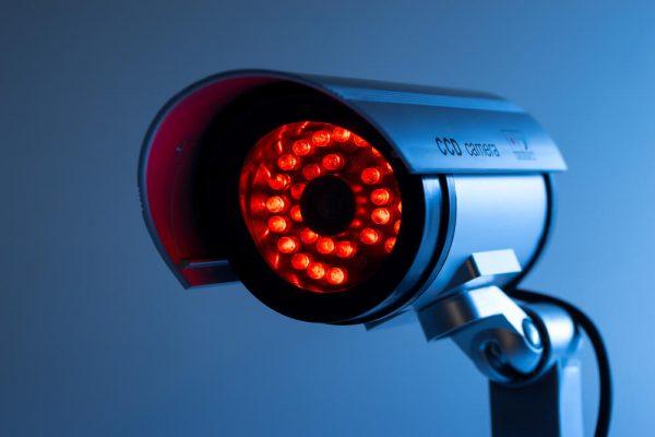 Camera ban đêm hồng ngoại